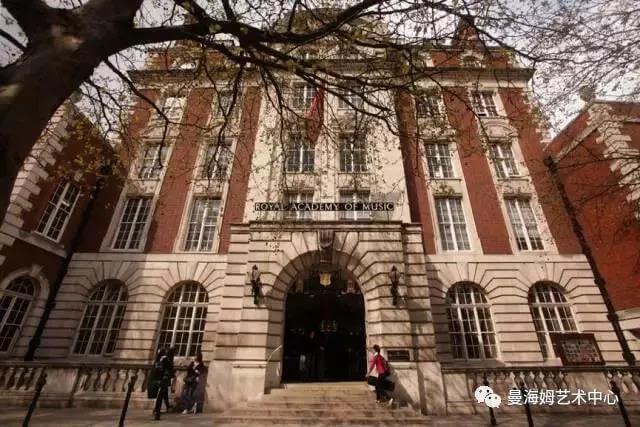 大英皇学院正门图