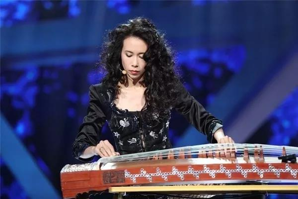 为什么这么多名人都学乐器呢?原因原来是这样的