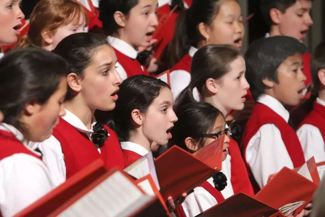 让孩子加入合唱团有什么好处吗?
